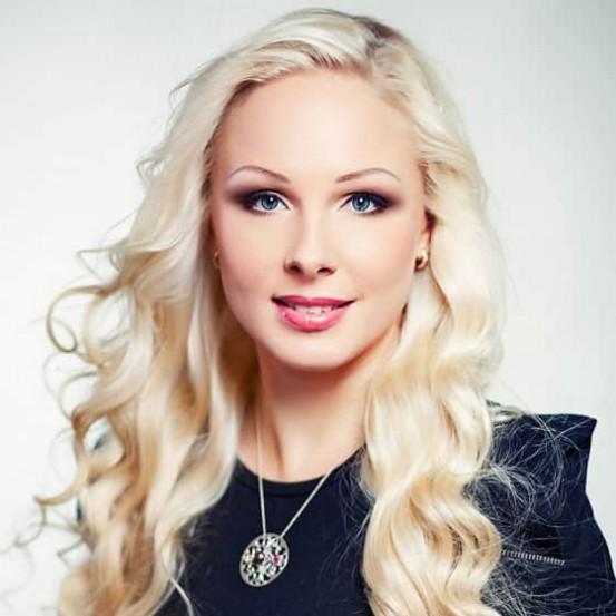 Нина Ковальова